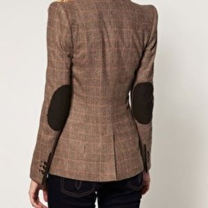 Zara Elbow Patches    blazer size medium